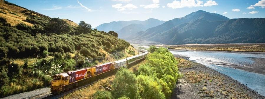 Tranzalpine train route: the most beautiful train route of New Zealand